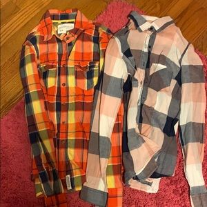 Set of 2 plaid shirts
